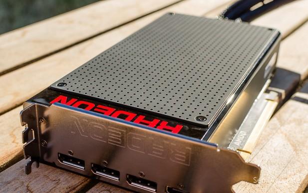 AMD Fury X (5 of 12)